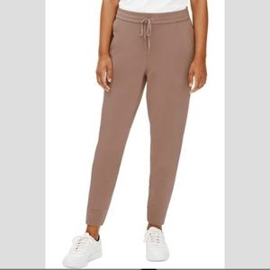 Eileen Fisher | Tan Jogger Style Comfortable Pants